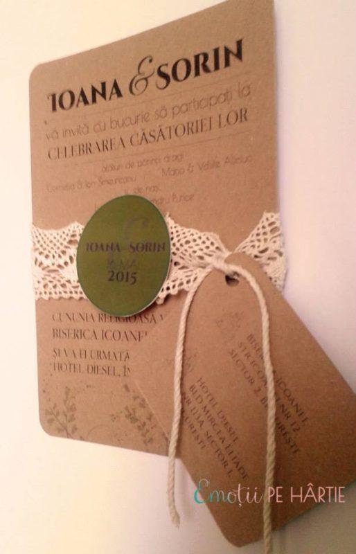 invitatie custom made carton reciclat, cu dantela