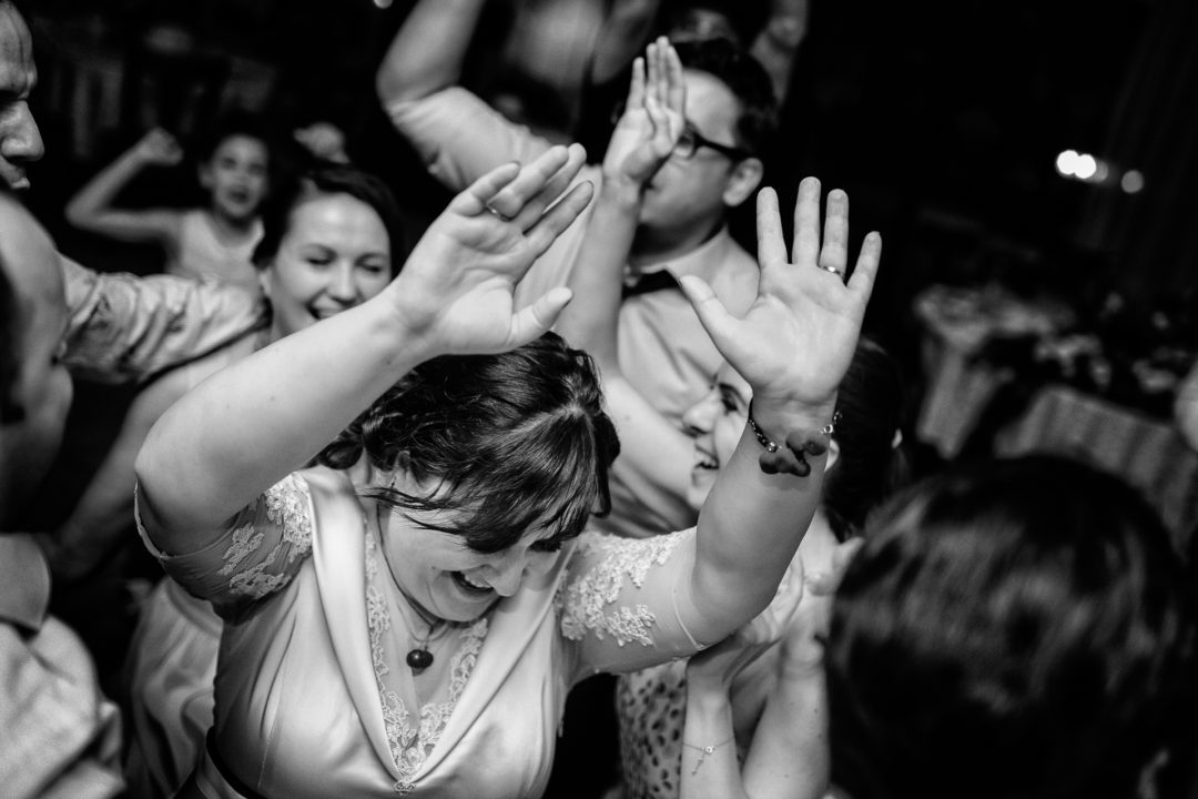party people - Ioana & Sorin - Marius Barbulescu Photography